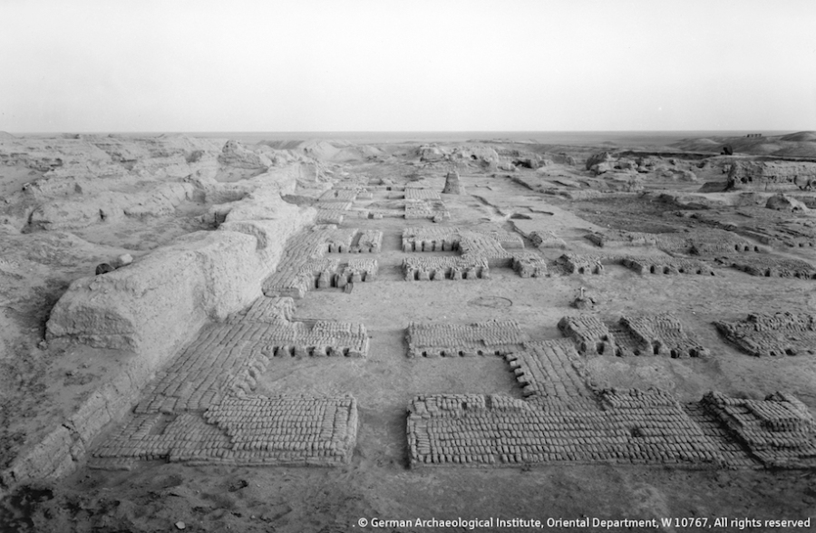 Remains of Building C in Uruk. Only a couple mud-brick rows have survived to offer a basic ground plan. The building dates into the 4th millennium BCE. © German Archaeological Institute, Oriental Institute, W 10767, All rights reserved.
